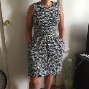 Madewell Dress In Black And White Zig Zag Print